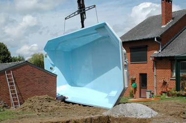 installation-piscine-polyester
