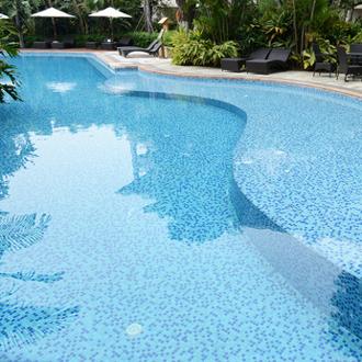 Piscine b ton for Forme piscine beton