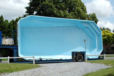 forme-piscine-polyester