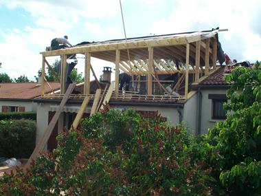 Sur l vation de toiture for Surelevation toiture prix